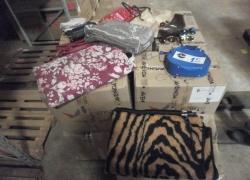 aprox-pecas-de-bolsas-acessorios-e-cama-mesa-banho-com-defeitos-e-avarias