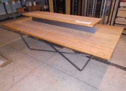 mesa-expositora-de-madeira