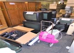 tvs-retro-projetor-aquecedor-telas-bebedouro-e-outros