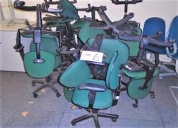 cadeiras-giratorias-na-cor-verde