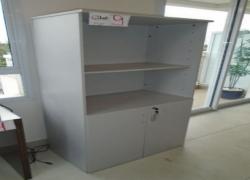 armario-de-madeira-com-portas