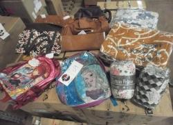 aprox-pecas-de-mochilas-bolsas-acessorios-e-cama-mesa-banho-com-defeitos-e-avarias