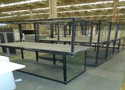 mesas-metalicas-expositoras-na-cor-preta