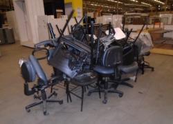 sucata-de-cadeiras-diversas