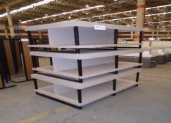 mesas-expositoras-para-tapetes-e-outros