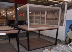 mesas-expositoras-quadradas