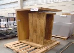 mesas-expositoras-de-madeira