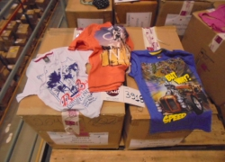 aprox-pecas-de-blusas-e-camisetas-infantis