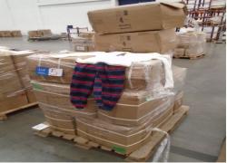 aprox-pecas-de-pijamas-infantis-masculinos-com-pequenos-defeitos