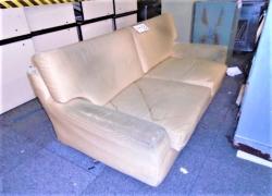 sofa-de-lugares-em-tecido-bege