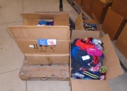 pecas-de-roupas-e-acessorios-infantis-diversos-com-defeitos