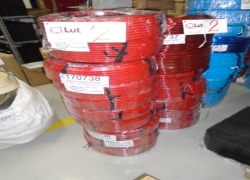 mangueiras-pneumaticas-na-cor-vermelha