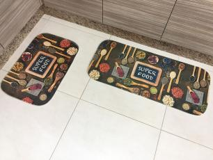 2 Kits de Tapete para Cozinha Cada Kits contém 2 peças