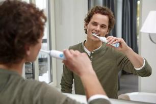 Escova de Dentes Elétrica Sonicare Essence Philips HX3211/13