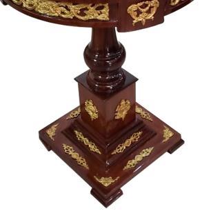 Mesa Auxiliar Redonda Marchetada com Apliques em Bronze - 64x74cm