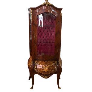 Vitrine Estilo Luis XV em Madeira Maciça Marchetada com Apliques em Bronze - 193x90x90cm