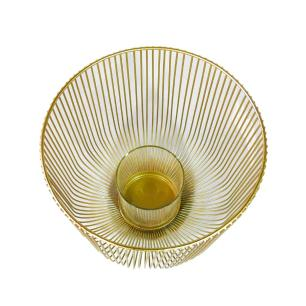 Castiçal Produzido em Metal Dourado - 20X19cm