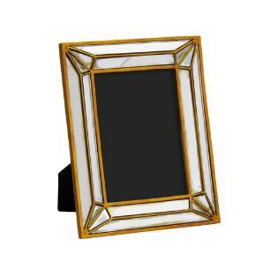 Porta Retrato Revestido em Resina Dourada - 22,5x17,5cm