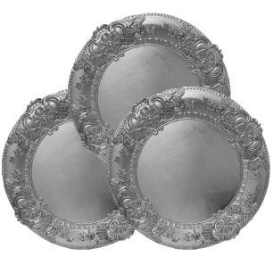 Conjunto com 4 Sousplat em Resina Prateada com Detalhes em Relevo nas Bordas - 2x38cm