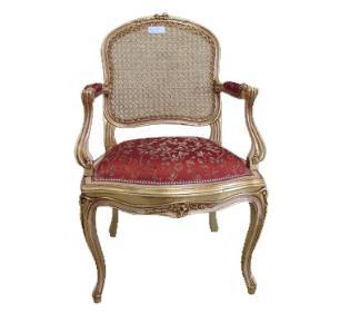 Poltrona Clássica Luis XV com Estofado Vermelho Folheada à Ouro