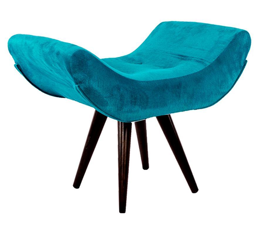 Puff Decorativo Isabella Suede Azul Turquesa Pés Palito Imbuia Madeira