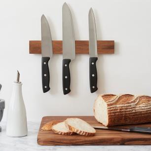 Suporte magnético de madeira de acácia para facas – Outset