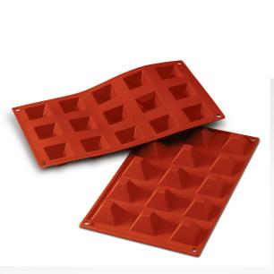 Forma de silicone Pirâmide com 15 cavidades - Silikomart