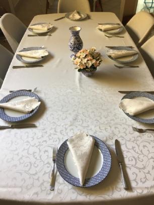 Toalha de Mesa Jacquard Branca Sempre Limpa Quadrada 1.80 x 1.80m Arabesco Casa Argivai