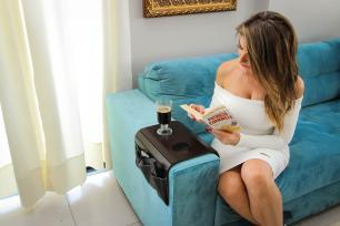 Esteira Para Braço de sofá com Porta Controle Corino