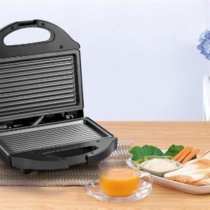 Sanduicheira Minigril Gourmet 220V com 750W e Antiaderente Preta Multilaser - CE010