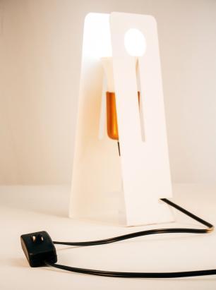 Luminária Abajur Preto Moderno Mod: Tap com LED 5W | Soq: E27 |Tam: 11x26cm