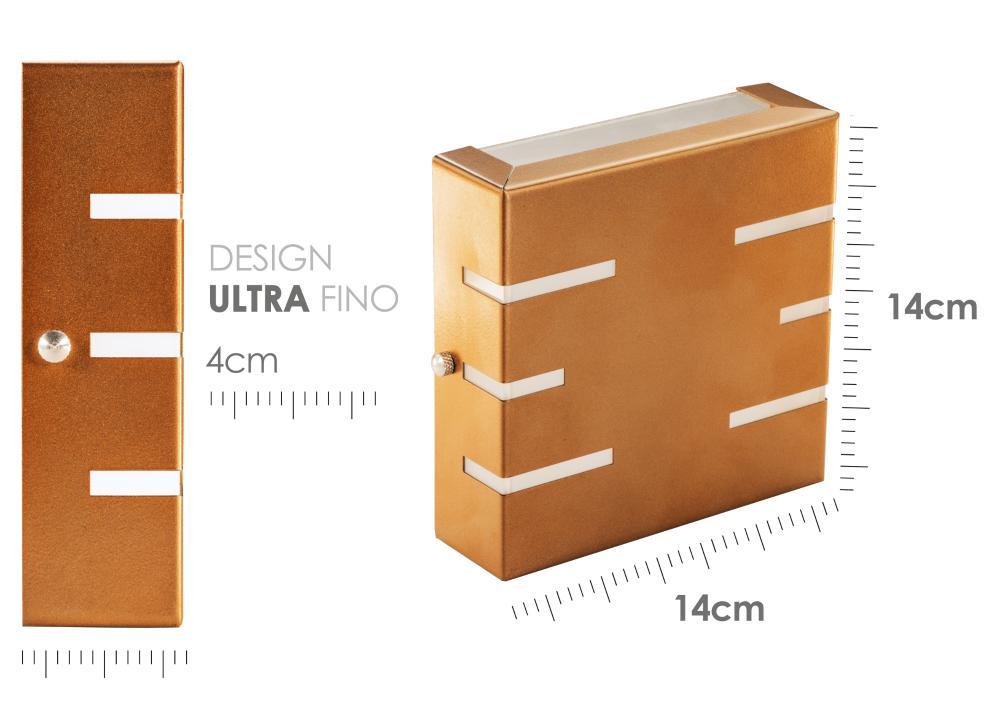 Arandela Frisada Flat Externa c/ LED 5W Incluso | Cor da Luz: 2.700k | Tam: 14x14cm | Cor: Marrom | Soq: G9 | Mod: Quorra