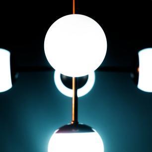 Luminária Sputnik Gun Bola de Vidro Industrial 6 hastes com Fio Ajustável Soq: G9 | Cor: Cobre | Tam: 80cm | Mod: Sputnik Gun Bola de Vidro