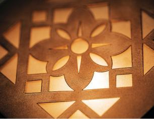 Arandela Externa Com Desenho e 2 Focos Tam: 14x14cm Cor: Branca Soq: G9 Mod: Cecia