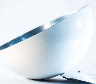 Luminária Pendente Meia Lua Branca com Aluminio escovado - Soq: E27 / Tam: 40x20cm