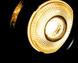 Trilho Eletrificado Preto 1 M com 3 Spots Soq: GU10 | Cor: Preto | Spot: Led 10W 6.000k Branco Frio | Tam: 1 MT | Mod: Z3