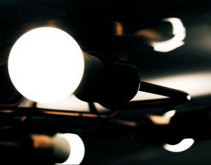 Luminária Sputnik Minos Industrial 8 hastes moderno Soq: E27 | Cor: Cobre | Tam: 60cm | Mod: Sputnik Minos