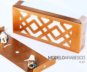 Arandela Retangular Externa Cobre Linha Orion Tam: 20x8,5cm Soq: G9 Mod: Arabesco