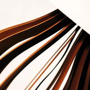 Abajur de Mesa Gota em Madeira Chocolate com Cúpula de Tecido Bege Crua Tam: 30x48cm