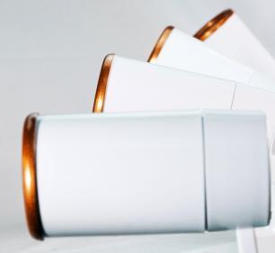 Trilho Eletrificado 2 m com 6 Spots Soq: GU10 | COR: Branco com Cobre | Spot: Led 10W 2.700k Branco Quente | Tam: 2 mts | Mod: Z4
