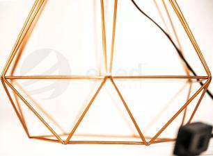 Abajur de Mesa Aramado Diamante Grande Cobre com cúpula Branca
