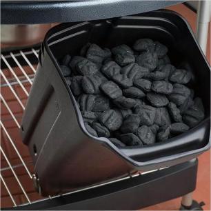 Churrasqueira a Carvão Performer Weber Preta