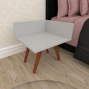 Mesa de Cabeceira simples em mdf cinza com 4 pés inclinados em madeira maciça cor mogno