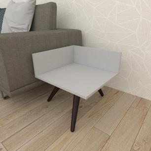 Mesa lateral simples em mdf cinza com 3 pés inclinados em madeira maciça cor tabaco