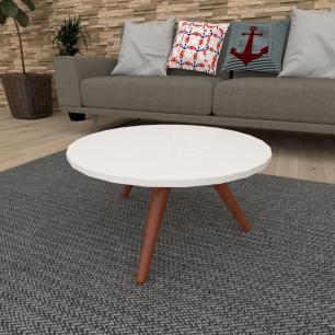 Mesa de Centro redonda em mdf branco com 3 pés inclinados em madeira maciça cor mogno