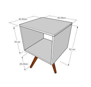 Mesa de Cabeceira nicho em mdf amadeirado escuro com 3 pés inclinados em madeira maciça cor mogno