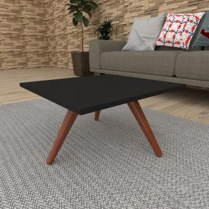 Mesa de Centro quadrada em mdf preto com 3 pés inclinados em madeira maciça cor mogno