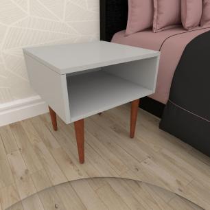 Mesa de Cabeceira em mdf cinza com 4 pés retos em madeira maciça cor mogno