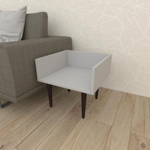 Mesa lateral minimalista em mdf cinza com 4 pés retos em madeira maciça cor tabaco