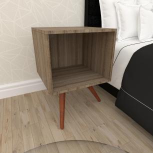 Mesa de Cabeceira moderna em mdf amadeirado escuro com 3 pés inclinados em madeira maciça cor mogno